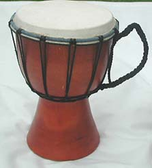 Professional quality handcrafted drum wholesale plain wooden djembe with sheep skin on surface