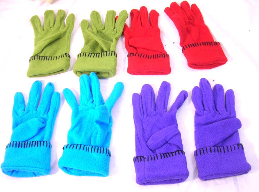 Assorted color winter ployester glove with black line decor