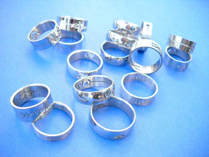 wholesale fashion jewelry, stainless steel rings bracelets earrings supplier