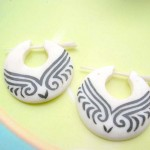 wholesale earlets natural body jewelry. tribal tattoo round flat bone earlets.