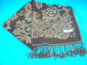 shawl Bulk wholesaler manufacturer and exporter. flower-accent-shawl.