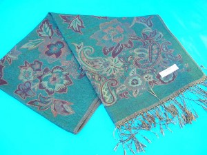 pashmina wool cashmere products. flower-accent-shawl.