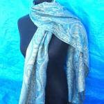 pashmina shawls wraps. gold-sparkling-pashmina-shawl.