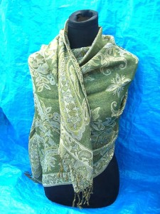wholesale fashion accessories. gold-thread-embroidery-shawl