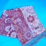 pashmina shawls. gold-thread-pashmina-wool.