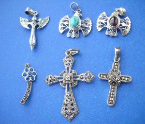 silver jewellery suppliers. Macasite stone and filigree mix sterling silver pendant, randomly picked by our warehouse staffs.