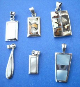 wholesale sterling silver pendants. Trendy fashion great quality fresh water seashell sterling silver pendant, randomly picked by our warehouse staffs.
