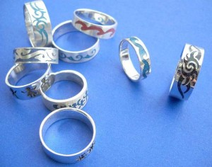 wholesale silver jewellery. Fancy tattoo gemstone inlay sterling silver ring, randomly picked by our warehouse staffs.
