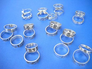 Wholesale organic jewelry. Assorted theme fashion sterling silver ring, randomly picked by our warehouse staffs.
