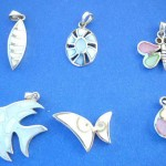Rings Pendants In Sterling Silver. Assorted seashell group fashion sterling silver pendant, randomly picked by our warehouse staffs.