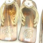 wholesale beaded sandal. wooden sandal with beaded seashell flowers.