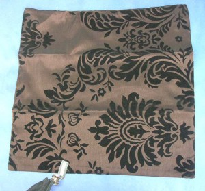 brown classical design cushion cover