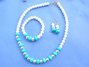 faux pearl and turquoise beaded necklace, bracelet and earring jewelry set