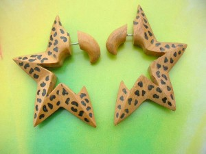 wooden painting fakies earrings half star design