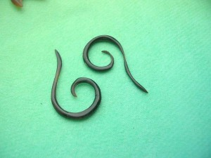 Horn Spiral Earring Mirco Gauges Small
