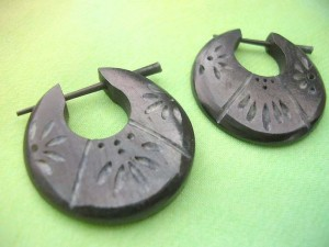 Organic Carved Horn Stick Hoop Earrings Leaves Design