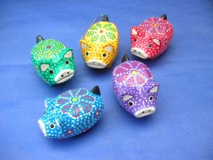 mini pigs set, 5 pigs per set hand carved hand painted in Bali Indoneisa, thousand dots and floral design