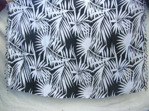palm leave black and white sarong
