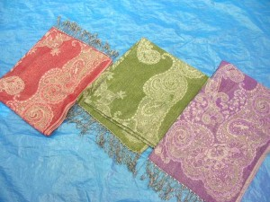wholesale pashmina shawls in fashionable designs, 55% pashmina and 45% silk blended or 100% pashmina