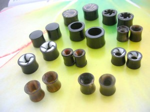Natural Horn Double Flared Tunnel Plugs Mix