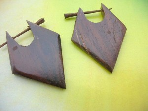 wood pin earlets arrowhead design