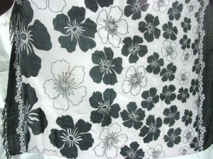 black and white garden them tropical design sarong
