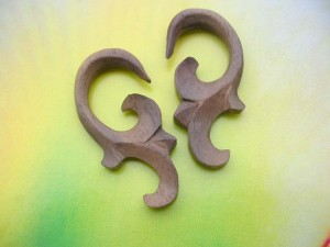 natural organic body jewelry wooden ear stretcher
