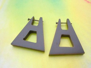 pick wooden earring from Bali Indonesia