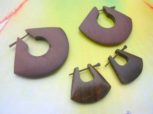 thorn style wood earring puff U shape