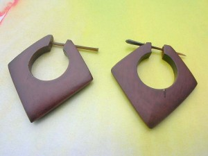 handcarved sono wood pin earring