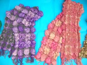 bumpy-bubble-scarf-shawl-01a