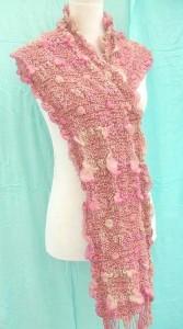 bumpy-bubble-scarf-shawl-01e