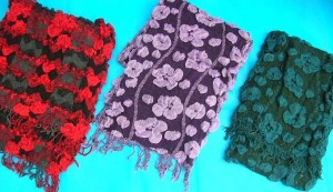 bumpy-bubble-scarf-shawl-04d