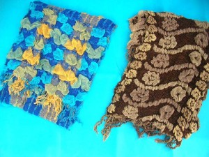 bumpy-bubble-scarf-shawl-05c