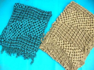 bumpy-bubble-scarf-shawl-07c