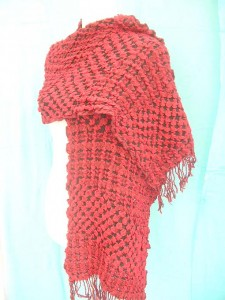 bumpy-bubble-scarf-shawl-07f