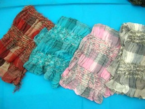 crinkle soft thick fashion scaves, fashion spring ,autumn and winter scarf made of polyester but feels like soft cotton 70 inches long, 12 inches wide ( can be stretched to 25 inches wide) mixed colors randomly picked by our warehouse staffs
