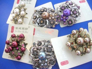 faux-pearl-retro-vintage-brooches-1c-pins