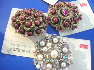 faux-pearl-retro-vintage-brooches-1g-pins