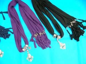 jewelry-scarf-necklace-1b-fleur-de-lys-quebec-pendant