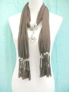 jewelry-scarf-necklace-1e-fleur-de-lys-quebec-pendant