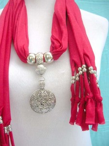 jewelry-scarf-necklace-3bfiligree-cutout-circle-pendant