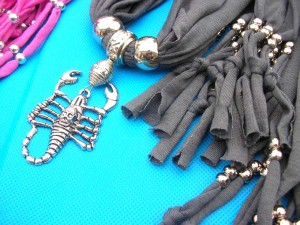 jewelry-scarf-necklace-7d-scorpion-mixed-pendants
