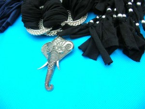 jewelry-scarf-necklace-7g-scorpion-mixed-pendants