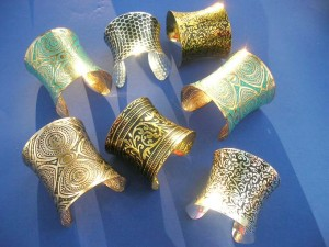 mid-wide-chic-cuff-bracelet-2a