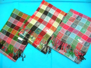pashmina-shawl-small-checker-1c-floral-theme