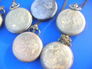 men's pocket watch in retro antique designs