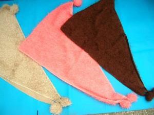 triangle-acrylic-fuzzy-scarf-1a