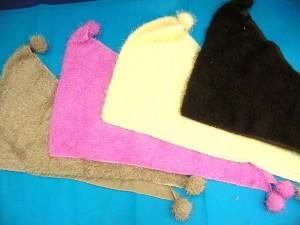 triangle-acrylic-fuzzy-scarf-1b