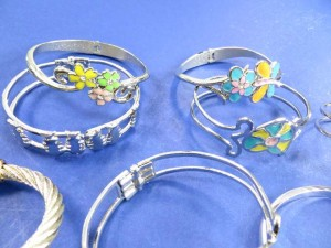 mixed designs fashion bangles, cuffs